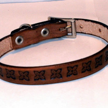 "Tooled leather dog collar, brown, small, 1/2"" wide, size 9.5 in, 24cm, embossed flowers"