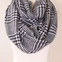 Hounds-Tooth Infinity Scarf