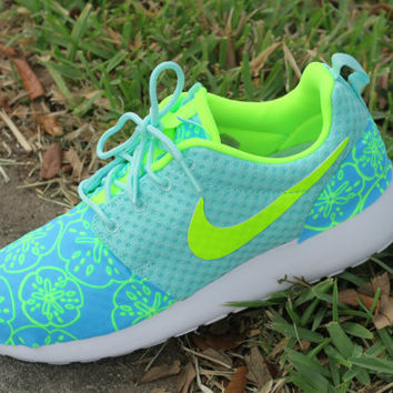 Custom Artisan Teal Volt White Sand Dollar Print Nike Roshe Breeze