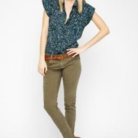 BCBGMAXAZRIA - SHOP BY CATEGORY: TOPS: VIEW ALL: BCBGENERATION CAP-SLEEVE PRINTED BUTTON-DOWN TOP