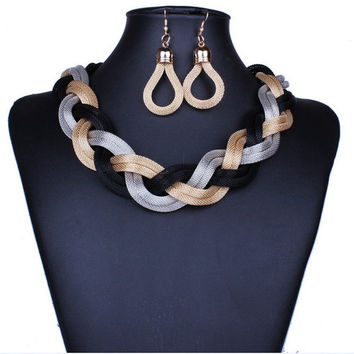 Metal Twist Necklace with Earrings