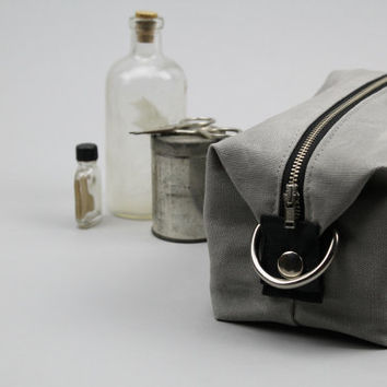 The Jack Dopp Kit // Grey Waxed Canvas Expandable Dopp Kit / Travel Bag / Toiletry Bag/ Cosmetics Pouch with Pocketed Lining