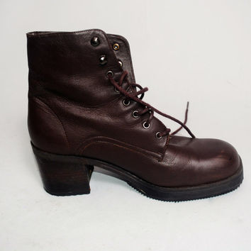 Vintage 1990s brown leather GRUNGE low heel CHUNKY lace up combat boots Size 6 half medium