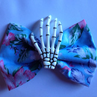 Floral Grunge Skeleton Hand Hairbow Hair Bow Creepy Cute Kei Goth Gothic Emo Skull Flowers Pastel Blue Purple and Pink Vintage