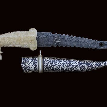 Exclusive Elephant Faced-Camel Bone Handle with Silver Koftgiri Engravings : Damascus