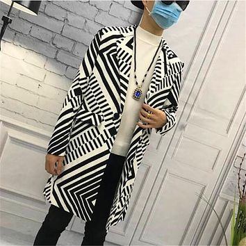 Free ShippingNew 2017 Long Trench Coat Men Clothing Fashion Autumn Male Medium-long Trench Male Outerwear