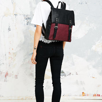 Deena & Ozzy Square Backpack in Black and Oxblood - Urban Outfitters