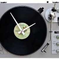 Recycled Turntable Clock | Cool Material