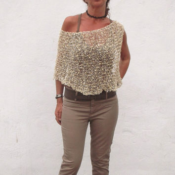 Hand knit capelet. Golden shawl. Kitted capelet. Wedding poncho. Summer poncho. summer wear,