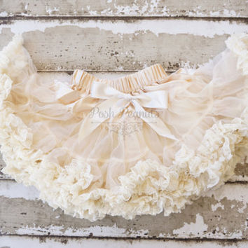 Girls Pettikskirt - Baby pettiskirt - flower girl dress - ivory petti skirt - newborn pettiskirt -lace dress -lace outfit - lace pettiskirt