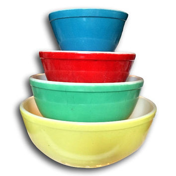 Four 4 Classic Primary Original Vintage Pyrex Nesting Bowls Collection Yellow Green Red Blue 401 402 403 404