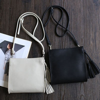 Korean Simple Design One Shoulder Stylish Casual Tassels Decoration Bags [4915825860]