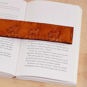 Hand Tooled Leather Wolves Bookmark, Howling Wolf Bookmark Gift For Boyfriend, Leather Bookmark, Coyote Husband Gift, Wolf Lover Gift, SW187
