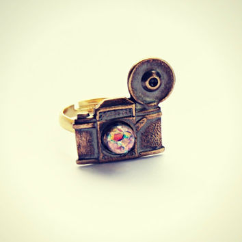 pink opal camera ring, photography ring, kitsch ring, unique ring, cute ring, vintage style