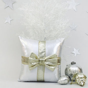 Top Best Silver Accent Pillows Products on Wanelo PJ66