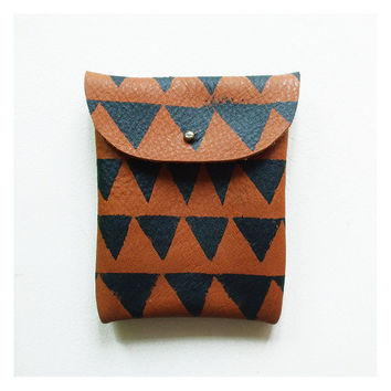 LEATHER POUCH // brown leather with black m triangles