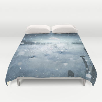 When she turned on me Duvet Cover by HappyMelvin