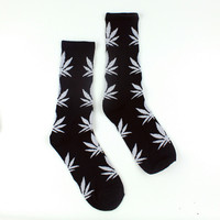 Men Casual Long Socks/Black & White Weed