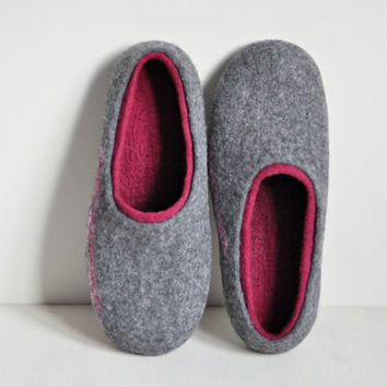 Felted slippers for women - Gray & Bordeux - Made to order - Home wool shoes / Handmade shoes / Eco friendly slippers