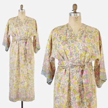 Vintage 60s KIMONO / 1960s Pastel Lightweight Ethnic Inspired Floral Belted Wrap Robe
