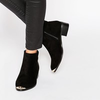 Daisy Street Western Style Heeled Boots at asos.com