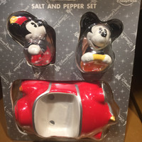 disney parks mickey & minnie with car salt pepper shakers new sealed
