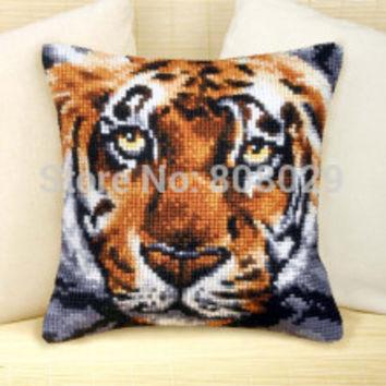 Crafts Cushion   Printed Cross Stitch Kits Tapestry pillow KIT Home Decorative Pillows Needlework cushion    CX0623
