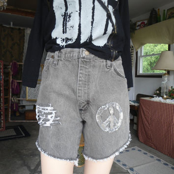 """Boyfriend Jean Shorts Denim Peace Sign Patch 34"""" High Waist 11"""" Rise Frayed Distressed Bleached Frayed Upcycle Cutoffs Recycled Size 7"""