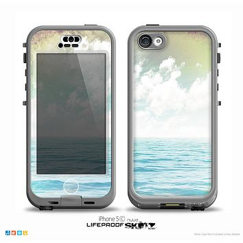 The Paradise Vintage Waves Skin for the iPhone 5c nüüd LifeProof Case