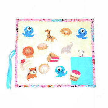 Pink and Blue Felt Board // Travel Toy // Quiet Activity
