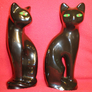 Black Cat Figurines with Green Eyes. (50)