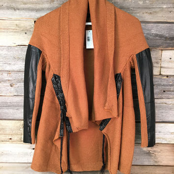 SWEATER W/ LEATHER SLEEVE - TOFFEE