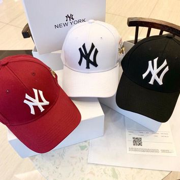 """New York Yankees"" Unisex Casual All-match Letter Butterfly Embroidery Baseball Cap Couple Fashion Peaked Cap Sun Hat"