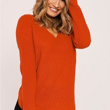 NYOMI RED V NECK KNITTED JUMPER