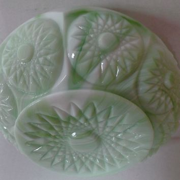 Green White Vintage Slag Glass Rose Bowl Jardiniere Sunburst Starbusrt Pattern