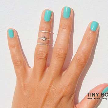 Tiny Star Above the knuckle ring - Knuckle Rings   - Knuckle Rings - Stacking Rings -  Midi Rings- Set of 3 stack rings