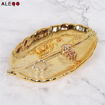Scandinavian Ceramics Office Table Storage Plate Vogue Nordic Chic Elegant Gold Leaves Shape Office Desk Storage Organizer Decor