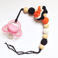 Crochet pacifier holder with ruffles, Dummy holder, Tiger baby teehing pacifier toy