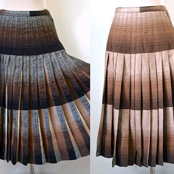 Vintage Reversible Skirt  - Highland Queen - Brown Pure Wool Skirt - 1960's Vintage Skirt - Pleated Skirt