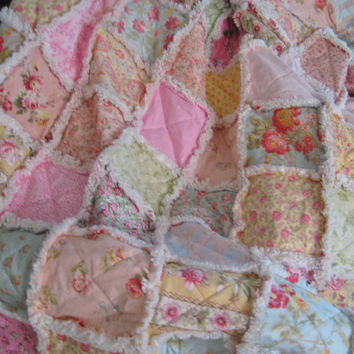 Queen Size Rag Quilt Shabby Chic Dreamy Pastels Designers Medley Patchwork