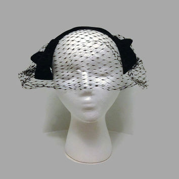 1950s Hat / Black Velvet Cocktail Hat, Half Hat, Fascinator Veil Hat