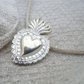 Milagro necklace sterling silver Small with hand-crocheted sterling silver chain Flaming heart