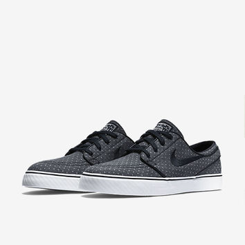 The Nike SB Zoom Stefan Janoski Canvas Premium Unisex Shoe (Men's Sizing).
