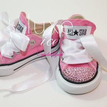 converse chucks low tops w swarovski crystals pink pink crystals size 2 10 infant