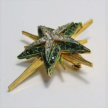 Rhinestone Star Brooch Pin - Signed Art - Emerald Green & Clear Rhinestones - Arthur Pepper ModeArt ArtMode Gold Tone