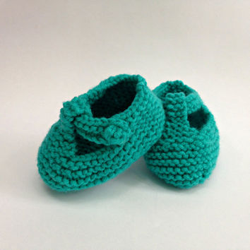 Hand knit booties, infant shoes, knit baby booties, baby girl shoes, baby boy shoes, mary jane shoe, newborn girl shoes, t strap mary jane,