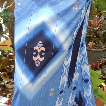 man's sarong 2 tone blue triangle pattern MB3
