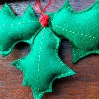 Christmas felt ornament holly and berries wall hanging decoration for xmas