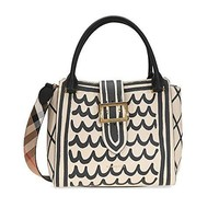 Burberry Medium Buckle Tote in Trompe L'oeil Print Leather - Limestone