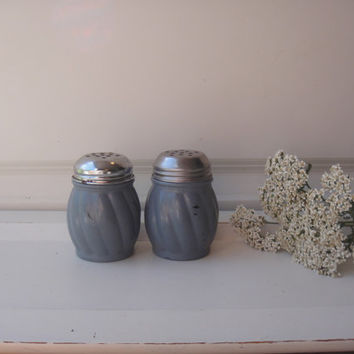 Parmesan - Red Pepper Shaker Set - Stormy Grey Blue -  Up cycled Chalk Paint Shabby Chic - Wedding Distressed Beach Decor Pizza Party